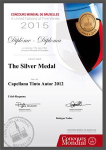 Medalla de plata en el Concurso Mundial de Bruselas 2015 al Capellana Tinto de Autor 2012