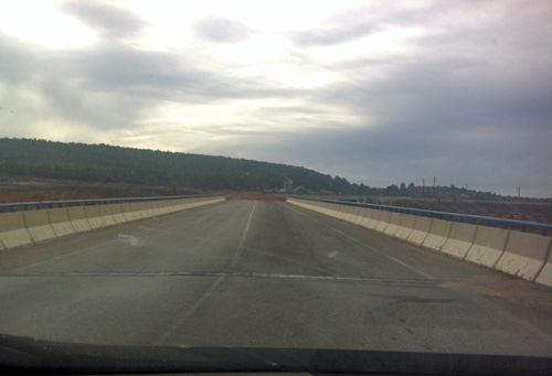 Puente cruza autovía A3